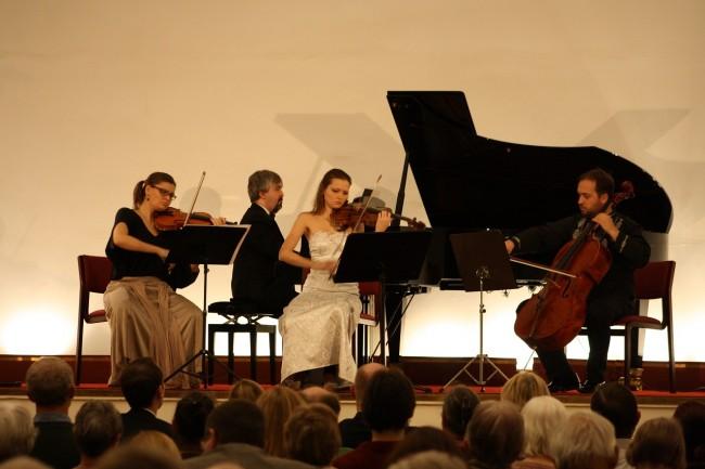 Copenhagen Festival Ensemble Marie Hanskov Kristina Fialova Petr Nouzovsky  Dimitri Wesselowski 1